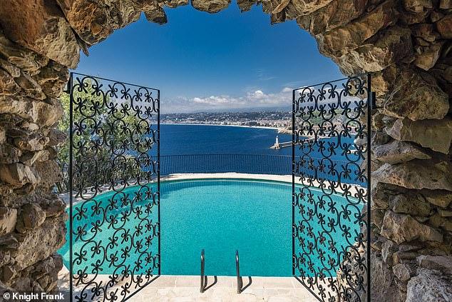 Connery's former five bedroom villa in Cap de Nice, Côte d'Azur has a stunning outlook
