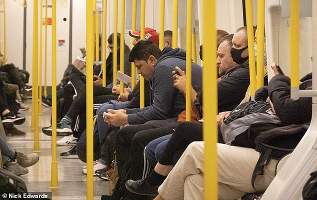 Many commuters were once again seen flouting the rules on the London Underground this morning