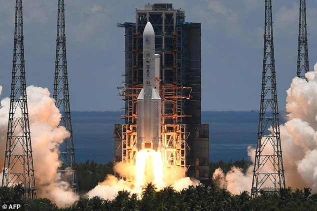 China's largest carrier rocket, the Long March 5, blasted off with the Tianwen-1 probe at 12:41 pm local time (0441 GMT) from Wenchang Space Launch Centre on the southern island of Hainan