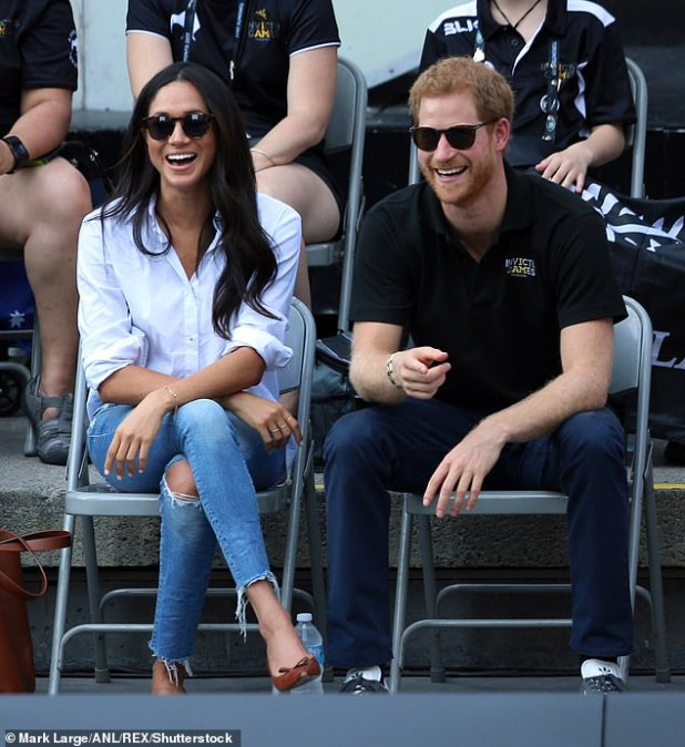 Meghan Markle, 38, wore a £ 137 blouse for the occasion by her fashion designer friend Misha Nonu.