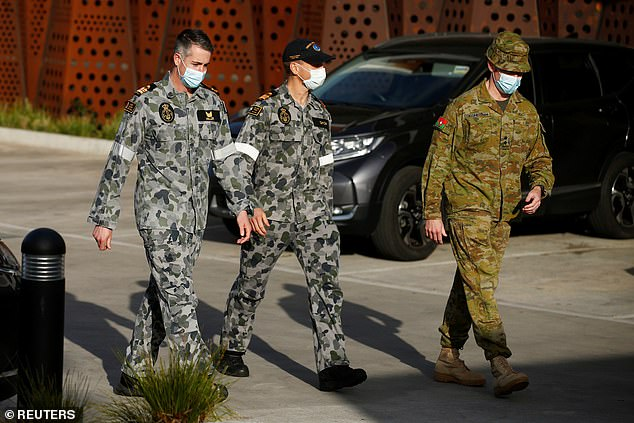 Military personnel keep watch on Melbourne elderly care facility as it grapples with COVID-19 outbreak