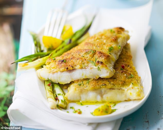 Dip the cod fillets into the egg and roll in the breadcrumbs. Bake for 25m (520cal per serving)