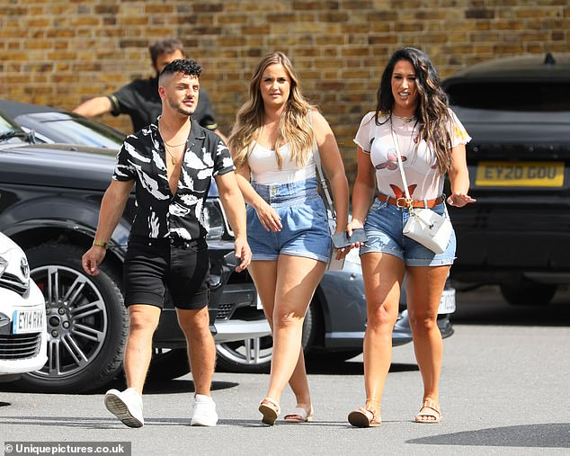 Glamorous:Following their lunch at the celebrity hot spot, the group - which included celebrity hairstylist Carl Bembridge - they hopped in the car for a group singalong