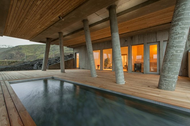 Inside are 'warm accents of locally salvaged driftwood and lava', says designhotels.com