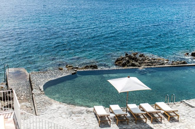 This stunning hotel is a firm favourite with 'influencers' – but you can see why they like to go there to distribute their 'influence'