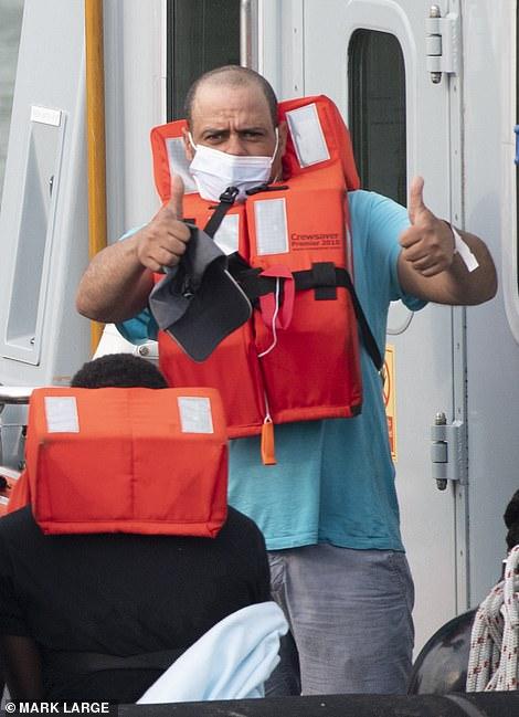 Migrants seen arriving in Dover