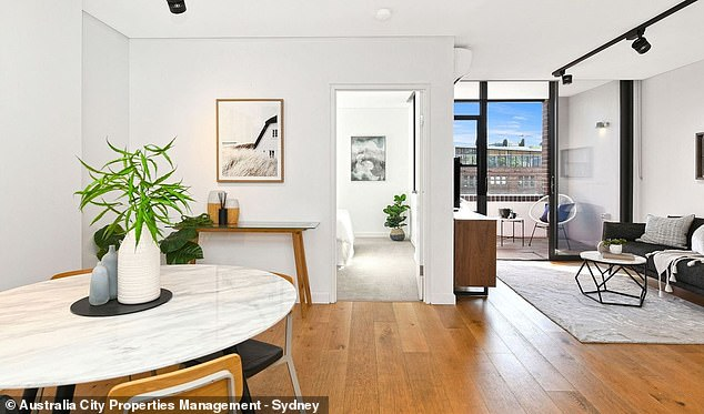 This one bedroom unit in Wattle Street Ultimo had a $826,000-$855,000 price range