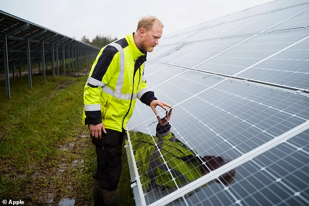 One of Scandinavia¿s largest solar arrays was completed earlier this summer to power Apple¿s Viborg data center, and is the first Danish solar project built without the use of public subsidies