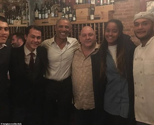 Vitolo Jr. (second left) posing with his brothers and father, former President Barack Obama and his daughter Malia