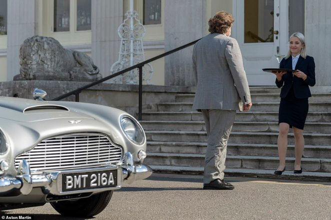 On arrival at Stoke Park, Ray was greeted with a welcoming dry martini cocktail – shaken not stirred, of course