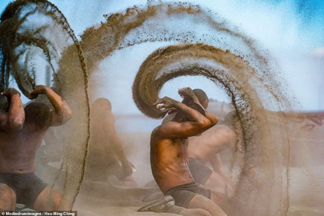 'Challenge The Limit' by Hsu Ming Ching features members of China's Marine Corps Amphibious Reconnaissance and Patrol Unit during 'hell week' training