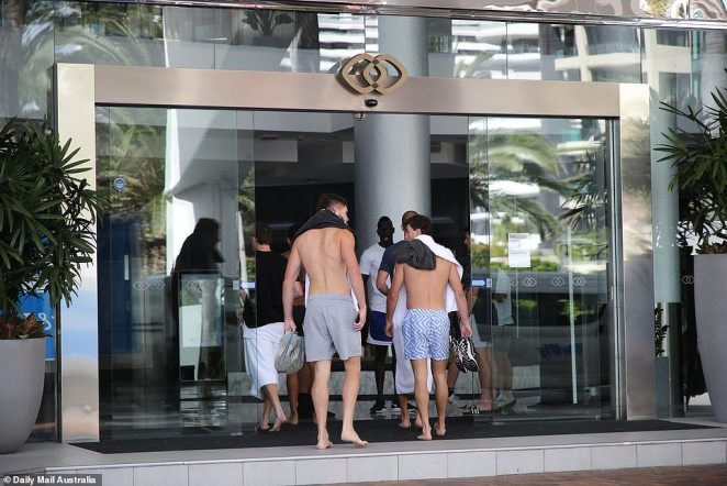On Tuesday, several players from Sydney Swans were spotted making their way back to the Novotel resort after a morning recovery session down on the beach