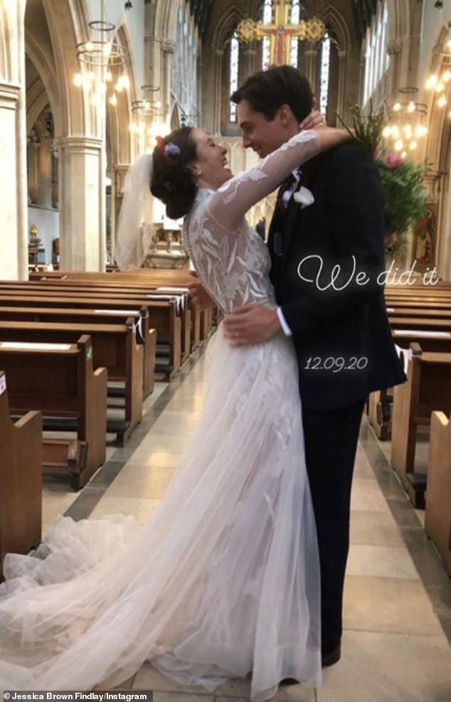 Congratulations!Downton Abbey star Jessica Brown Findlay has married Ziggy Heath in a surprise London wedding
