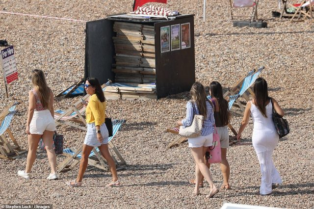 Met Office spokeswoman Bonnie Diamond said that the heatwave is being caused by warm air being drawn north from Spain and Portugal by an area of high pressure