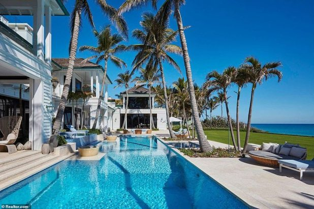 The 40-year-old Swedish-origin Gori closed the house in North Palm Beach - for $ 28.64 million, more than two years later when she put it on the market.