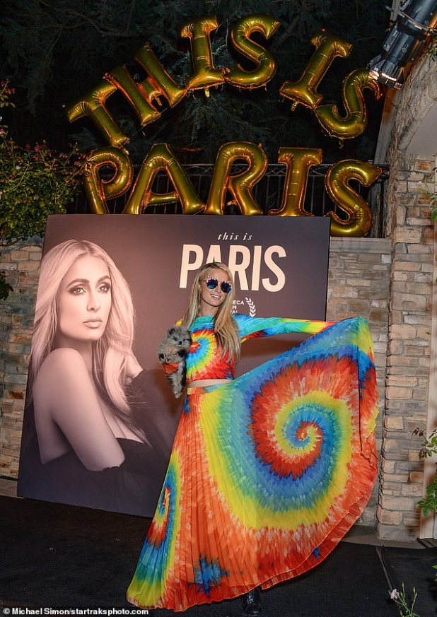 Accessible: Paris also had star-studded big cat-eyed sunglasses, made by her long blonde girls.