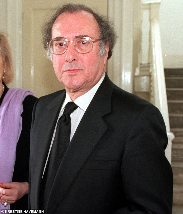 Tragic:Nobel Prize winner and barbed political activist Harold passed away on Christmas Eve 2008 aged 78 following a battle with cancer (pictured in 2000)
