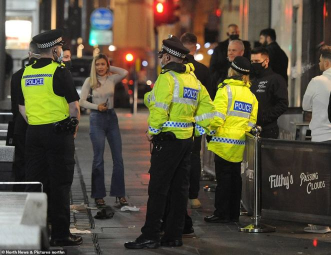Police were on hand in Newcastle city centre as the new 10pm curfew came into force to prevent rise in Covid cases