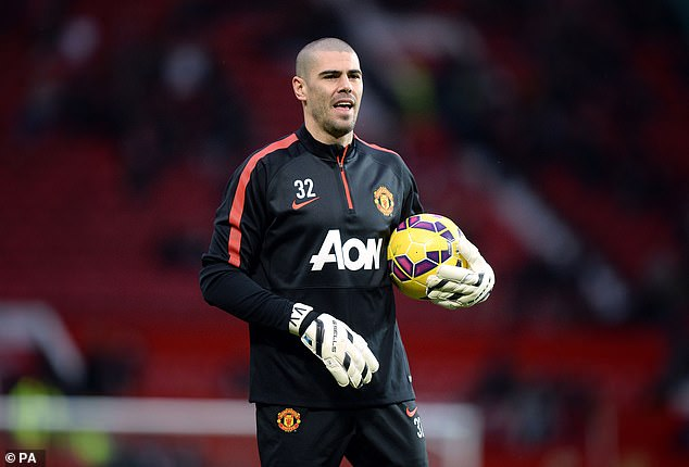 Victor Valdes never changed David de Gea from first place and fell out with Louis van Gaal