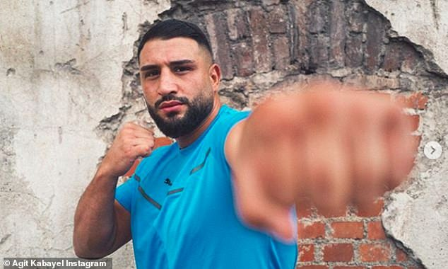 Just like Fury, Agit Kabayel has previous beaten Dereck Chisora and still has a perfect record
