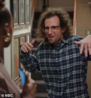 The best skit: In the second half of the telecast, Issa encountered resident SNL oddball Kyle Mooney and ended up in a bonkers dance-off with him