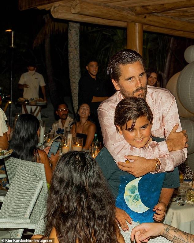 Aww: Scott Disick kissed his son Mason Disick during dinner