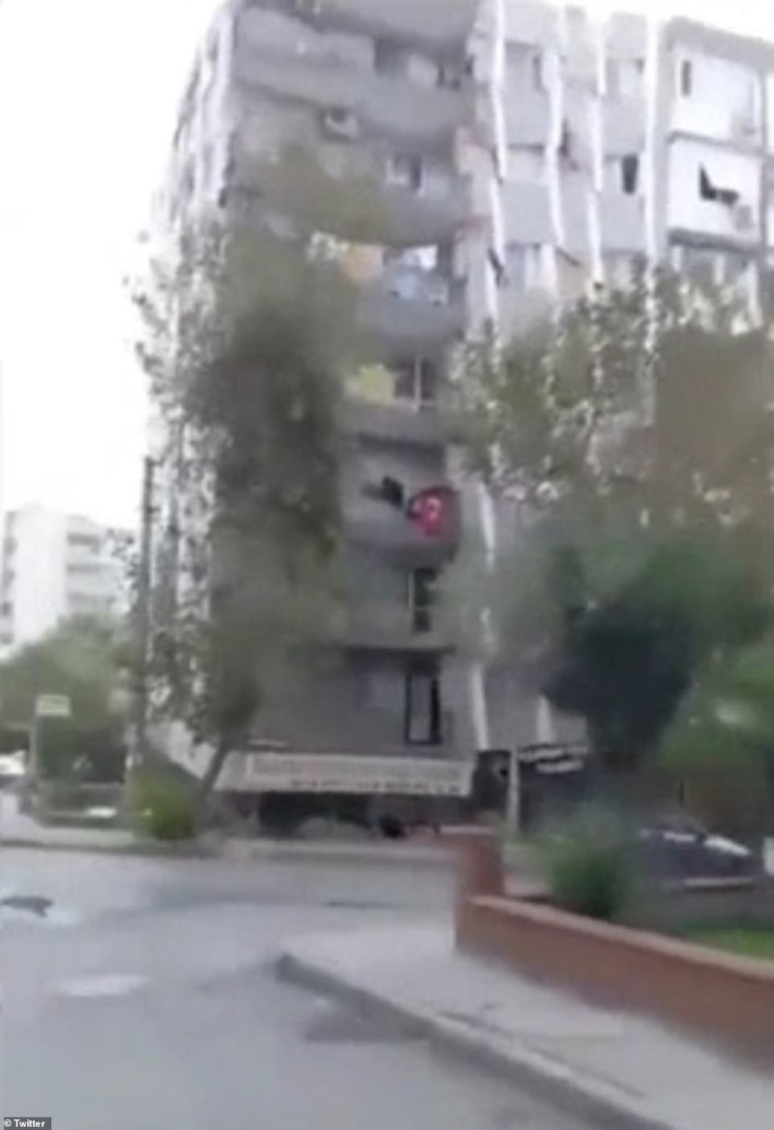 The shocking moment a building collapses during the earthquake in Izmir