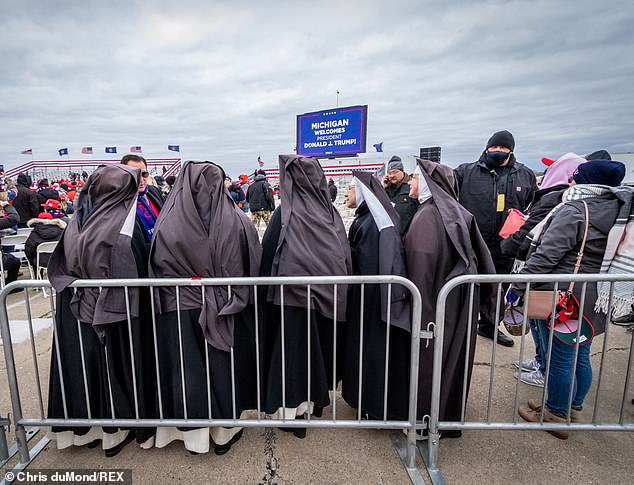 A total of five Dominican Sisters of the Immaculate Heart of Mary of Hartland, Michigan, arrived to the campaign stop on Friday