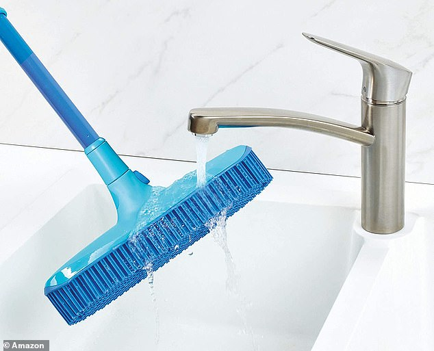 The broom and the dustpan can be cleaned with just running water to remove dust and dirt