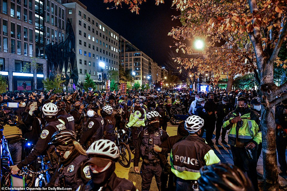 WASHINGTON, DC: Metropolitan police on bikes were dispatched after a major scuffle erupted between protesters