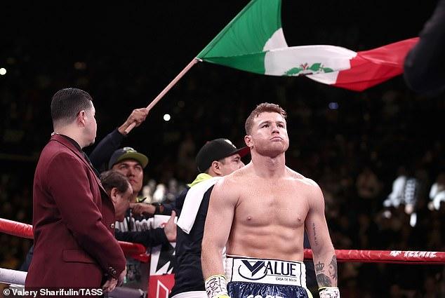 Pound-for-pound star Canelo Alvarez challenges No 1 168lb fighter Callum Smith in December