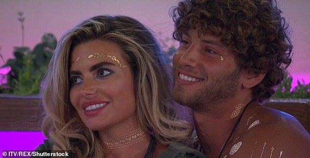 Fling: The brief couple appeared on Love Island together two years ago (pictured) - with the pair mated and are going to have sex in the villa