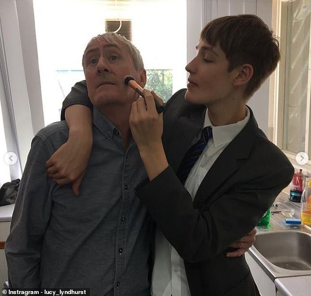 Archie 19 Year Old Son Of Nicholas Lyndhurst Has Been Laid To Rest As Family Say They Still Have No Answers Fr24 News English