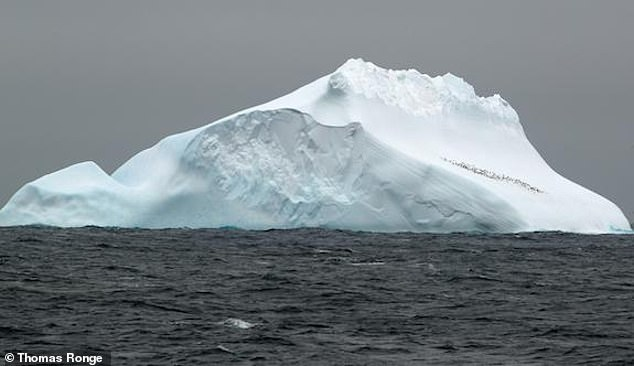 Polar ice sheets evolve on various different time scales and are in constant flux, with the ice growing and retreating depending on the climate and the surrounding water levels