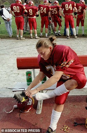 Kicker Liz Heaston became the first woman to score at the college level in 1997 when she made four extra points for Willamette University over two games
