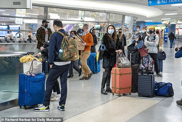 Travelers leave NYC in droves even though officials are saying to stay home this holiday