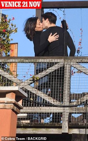 Venice: Melanie kissed her lover in Italy