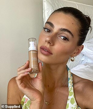 The reason why the formula is so good is because of its impressive ingredients list, which includes the antioxidant pomegranate fruit extract, and chamomile (foundation pictured)