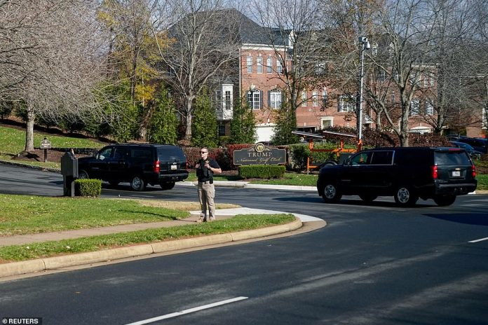 President Trump's motorcade arrives at his Trump National Golf Club in Sterling, Va, on Thanksgiving Day