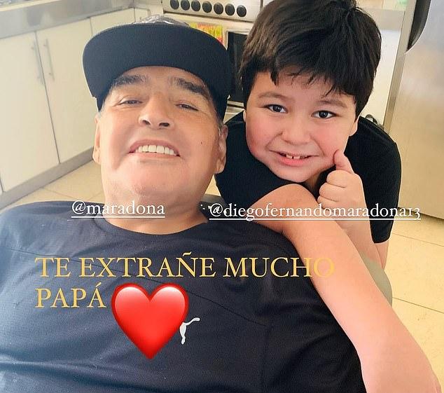 Maradonas letztes Foto mit seinem siebenjährigen Sohn Dieguito Fernando, dessen Mutter seine frühere langjährige Freundin Veronica Ojeda ist