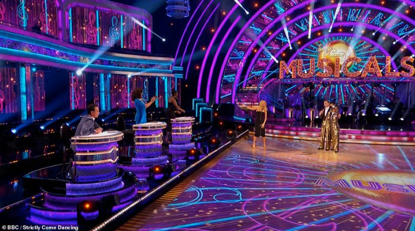 Standing ovation! Shirley Ballas and Motsi stood up after HRVY and Janette danced their amazing routine