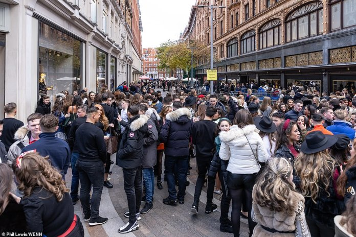 Chaotic scenes ensued as the large group attempted to enter the Harrods store and gathered in the streets around Harrods and Harvey Nichols.