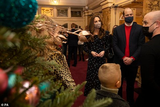 During the theater visit on Friday, the Duke and Duchess met with key workers and their families to thank them for their work during the Covid-19 crisis.