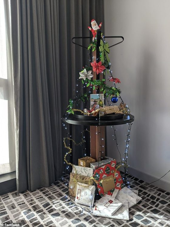 Another guest in mandatory quarantine used two tables leaning against each other to create a stylish Christmas tree