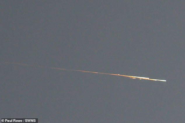 Incredible pictures of the Ursid meteor shower display were captured by photographer Paul Rowe