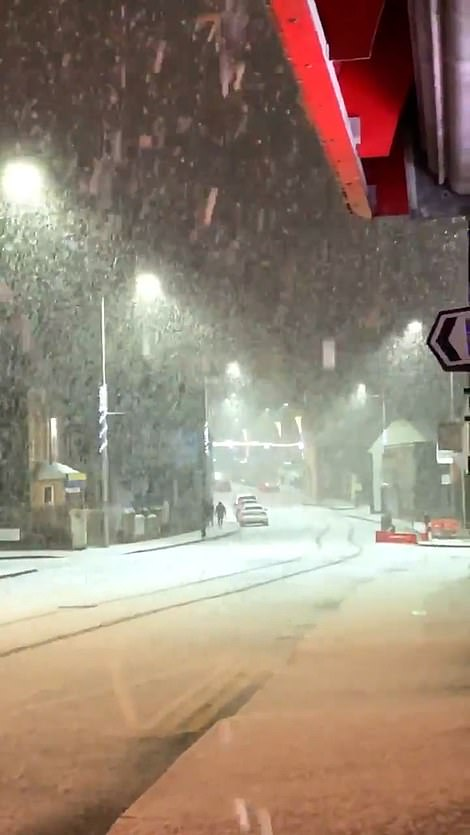 In Ballymena, Northern Ireland, a huge snowstorm fell on Sunday evening, lining the streets as many stayed at home