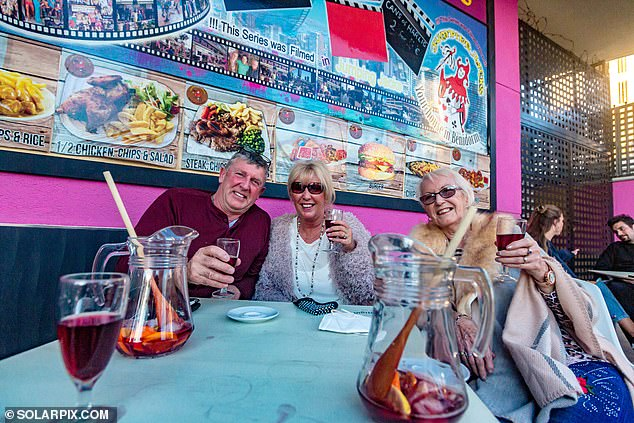 Drinking at the bar in Benidorm is banned, along with drinking in large groups in the street, as part of efforts to restrict the spread of coronavirus