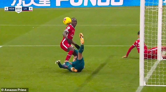 The ball bounces but Mane still has a tap-in if he can pass Darlow to the ball