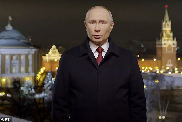 A screenshot of Putin's address from the Kremlin on New Year's Eve