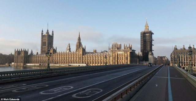 Westminster Bridge was empty this morning after Mayor Sadiq Khan declared a major incident in London during the third Covid lockdown